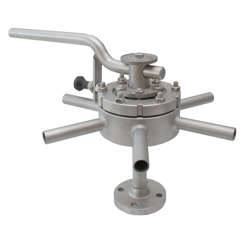 Five-way to seven-way plug valve